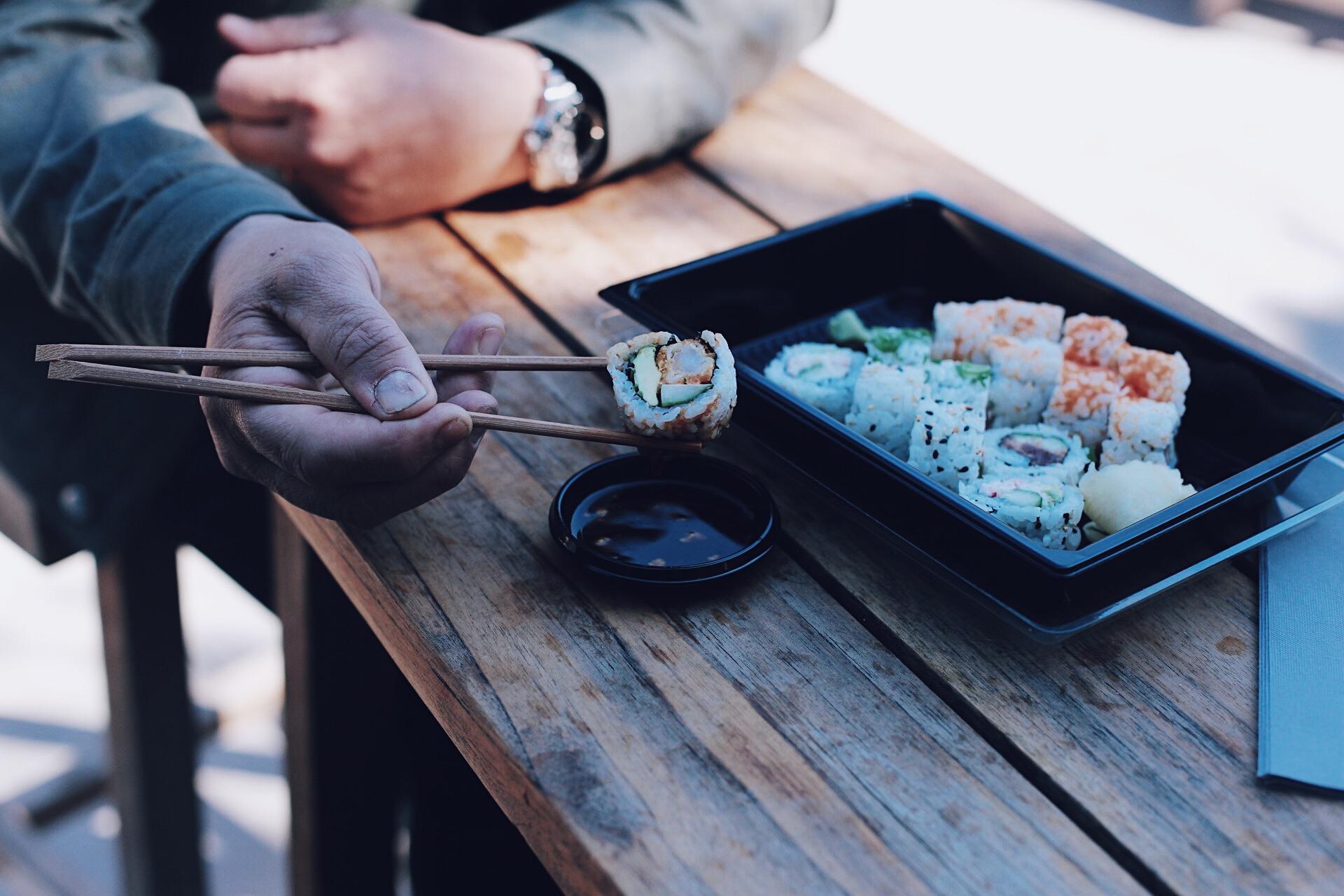 Även väldigt god Sushi skulle det visa sig. En riktigt fullträff rent av. Flera av er gav era hurra-rop på mina Stories, så det verkar som om vi råkade hamna på det perfekta stället (Sticks`n Sushi) Flyt skall man ha ibland!