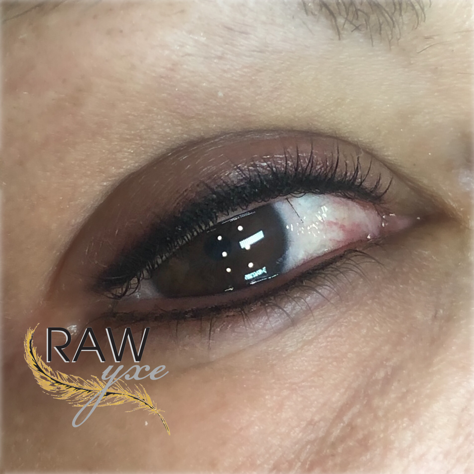 Upper and Lower Smoky Lash Enhancement