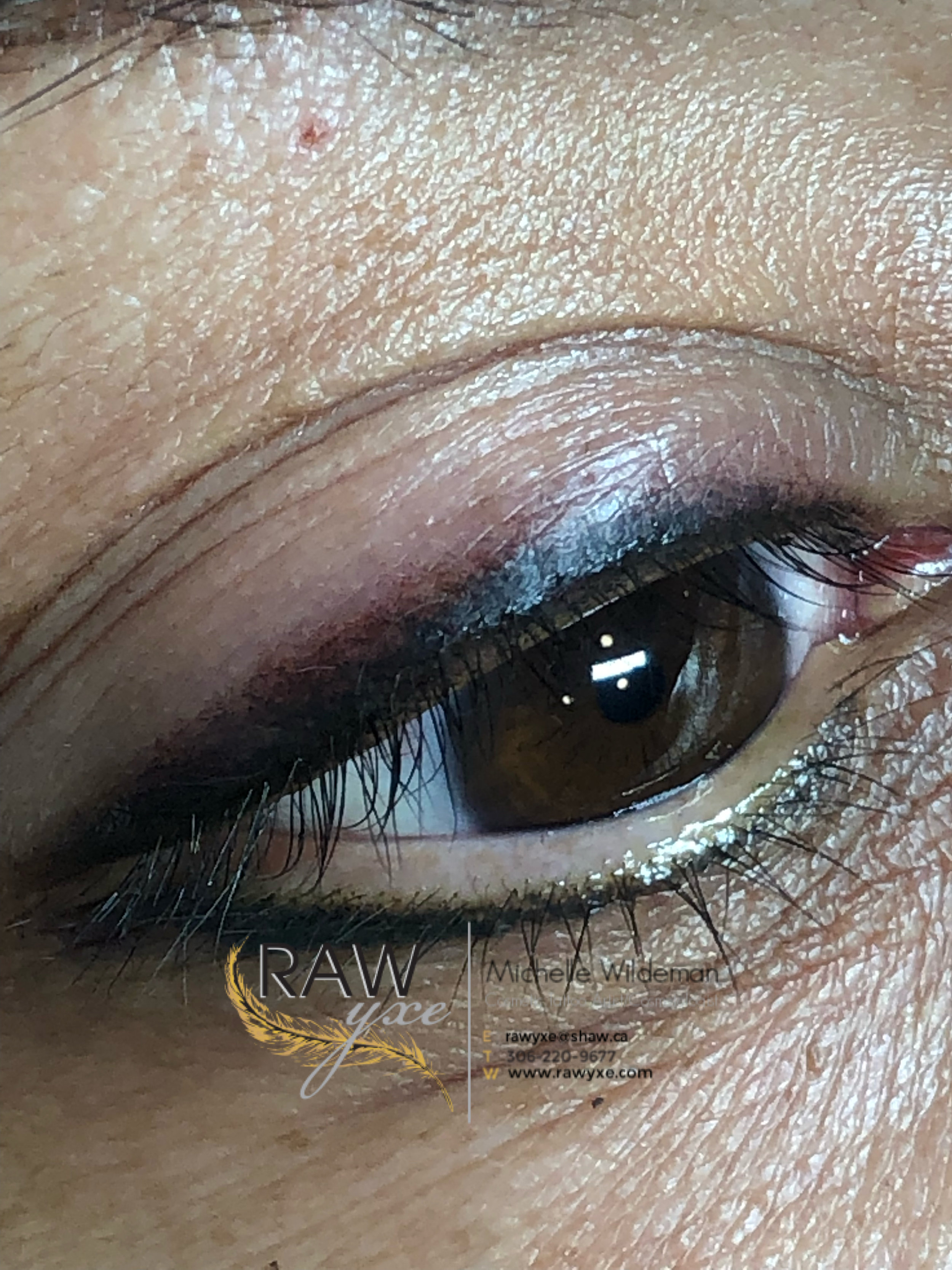 Upper and Lower Smoky Lash Enhancement with a Mini Wing and Shading