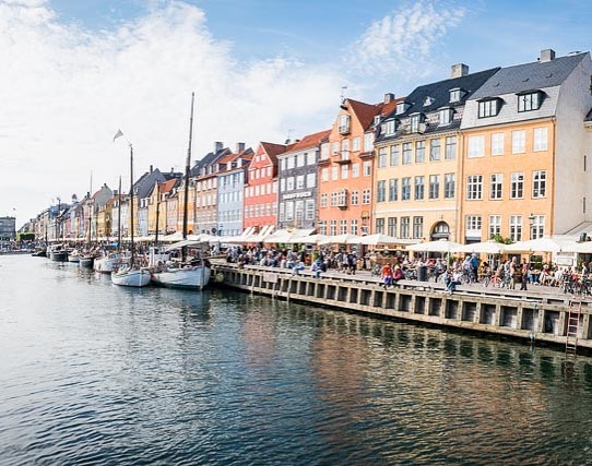Nyhavn Kopenhagen  #bodylpics #denmark #kopenhagen  #nyhavn