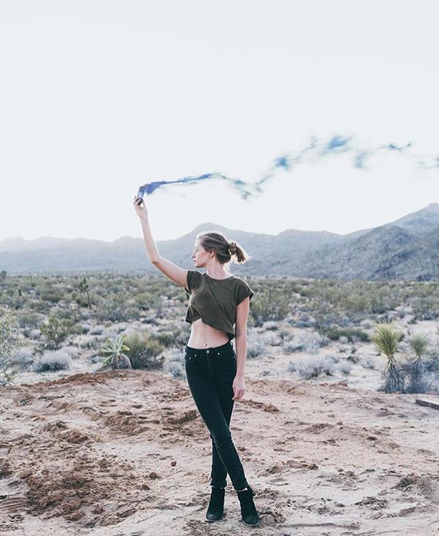 Sending out smoke signals to the universe 🛸✨ #backyard #photomagic by @gabevega (repost from the lovely @joannabesley) . . . . . #joshuatree #yuccavalley #starshiplanding #smokebomb #smokebombphotography #bombshell #desertbeauty #airbnb #airbnbphoto #backyardadventures #nationalmonument #freshairandfreedom