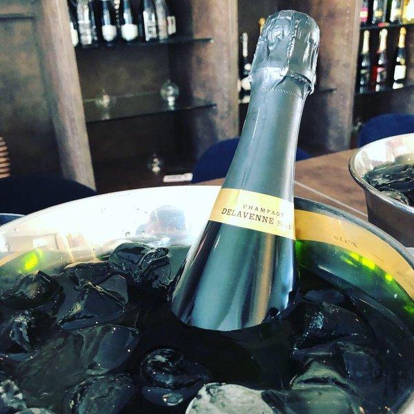 Delevenne Vegan Champagne.jpg