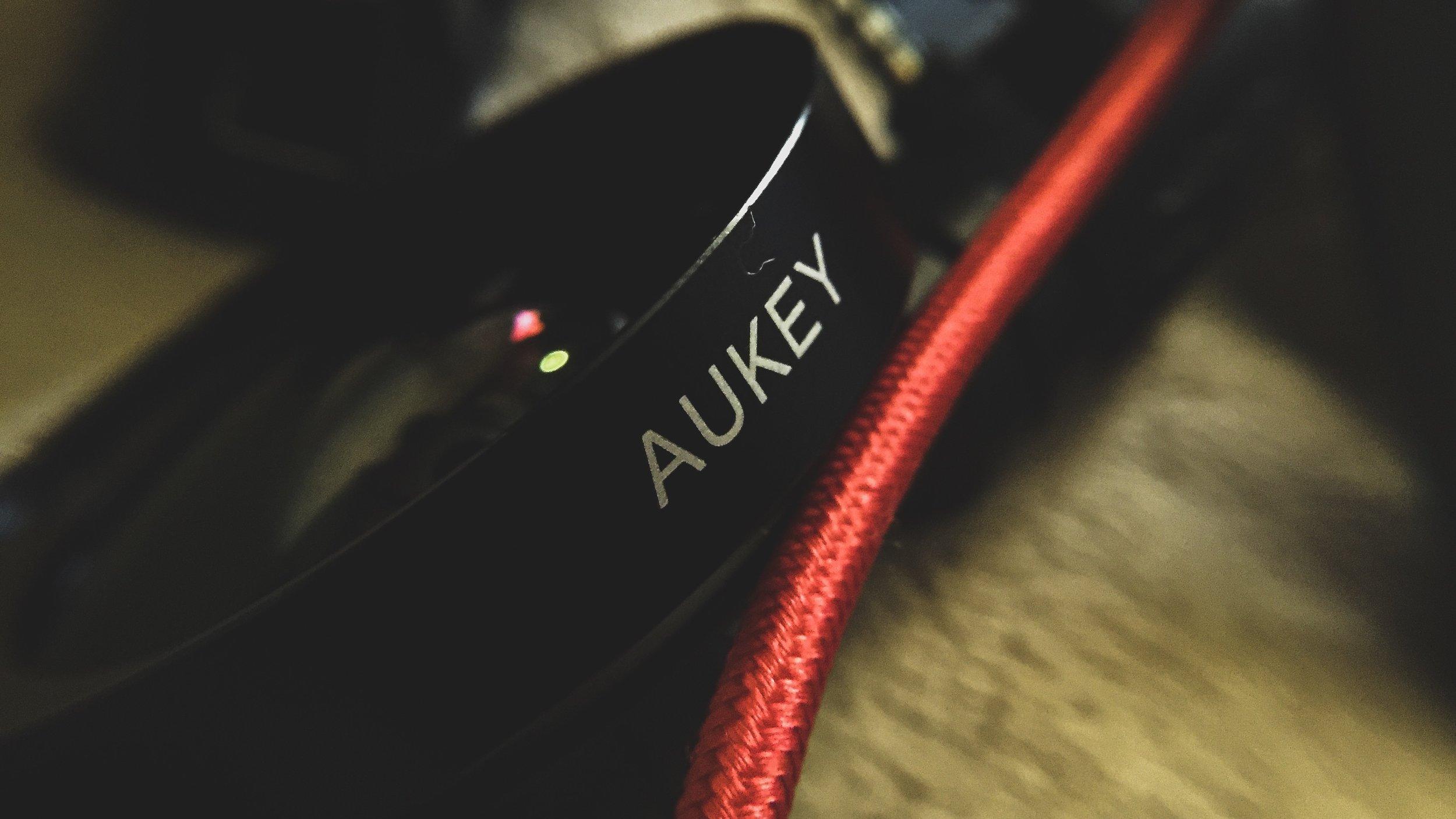 AUKEY Ora iPhone Camera Lens, 0.45x 120° Wide Angle + 15x Macro Clip-on $30