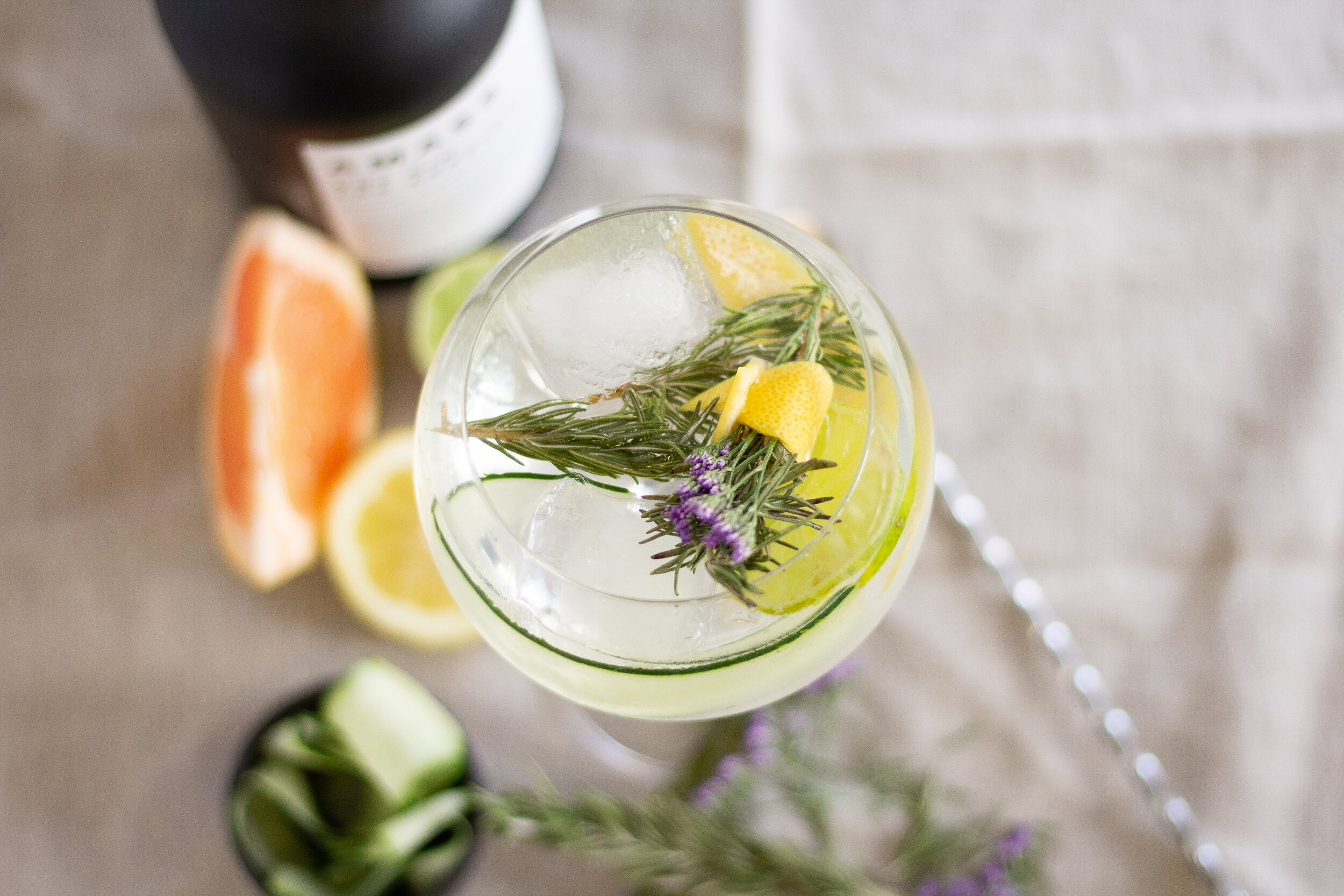 spanish-gin-and-tonic-cocktail-01