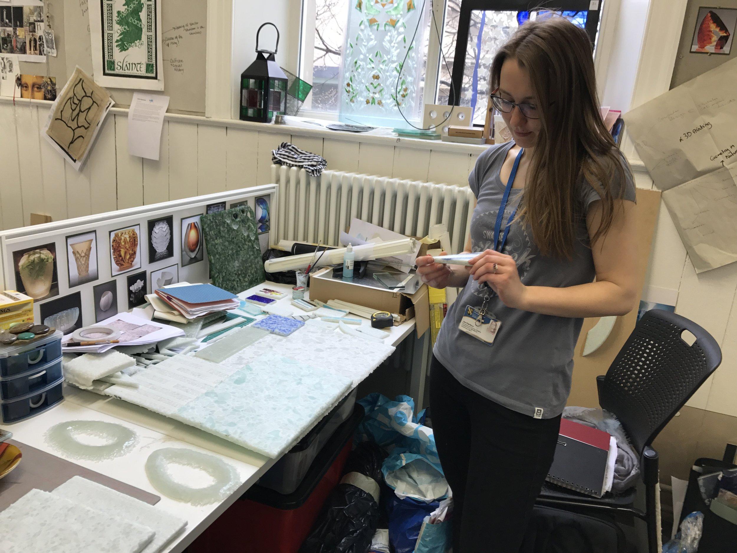 Jana Klerlikova Art glass student
