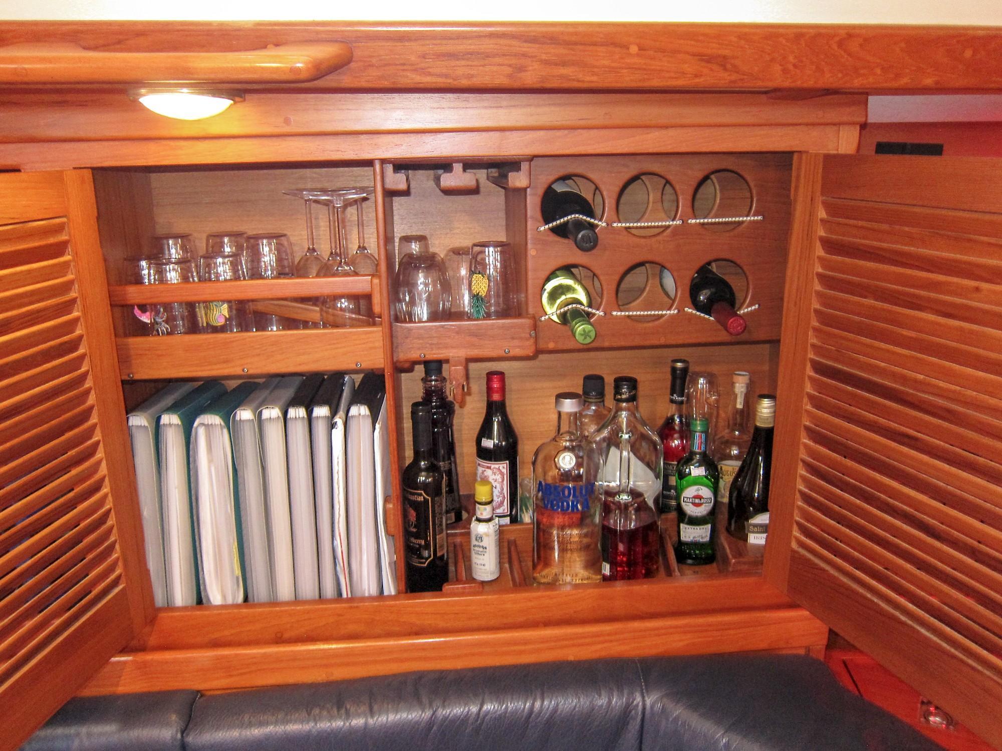 Liquor cab.jpg