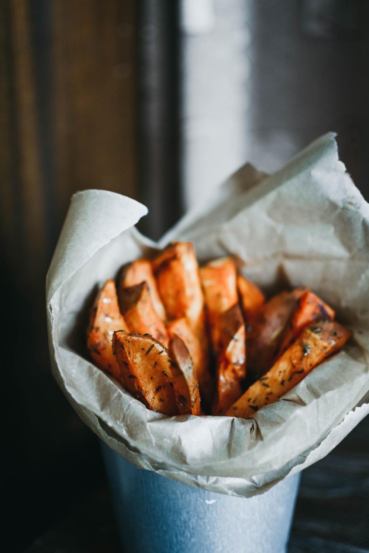 Sweet Potato Air Fries | The Tish Kitchen | Food & Lifestyle Blogger