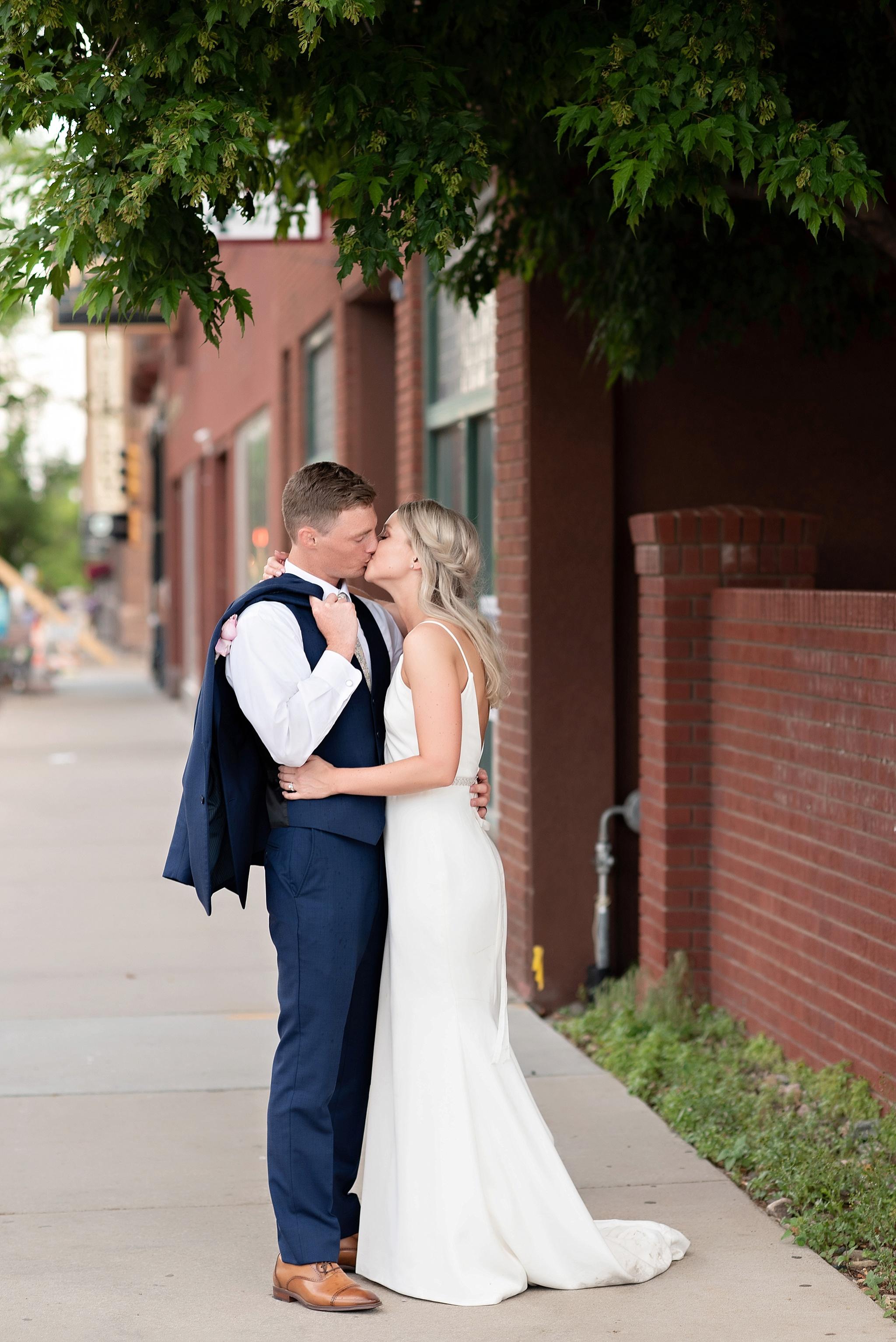 kate jones studios bridal portraits sioux falls wedding south dakota downtown sf