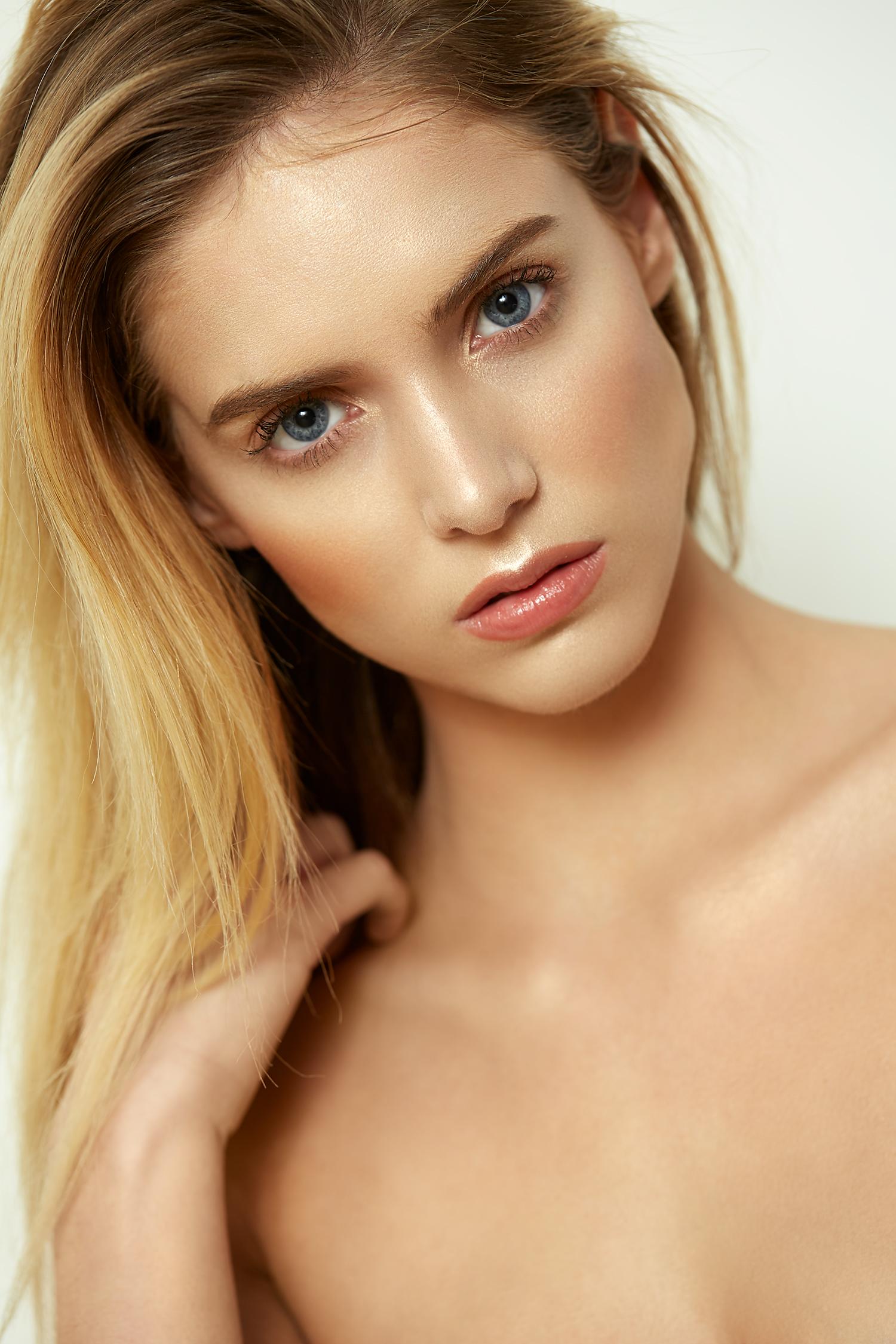 Kari---Beauty27917.jpg