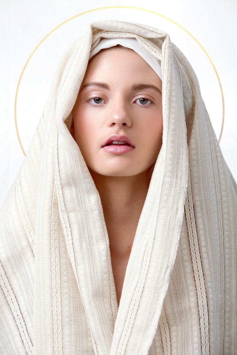 Heavenly-Bodies-Beauty-Editorial-by-Nicole-York-(1-of-6).jpg