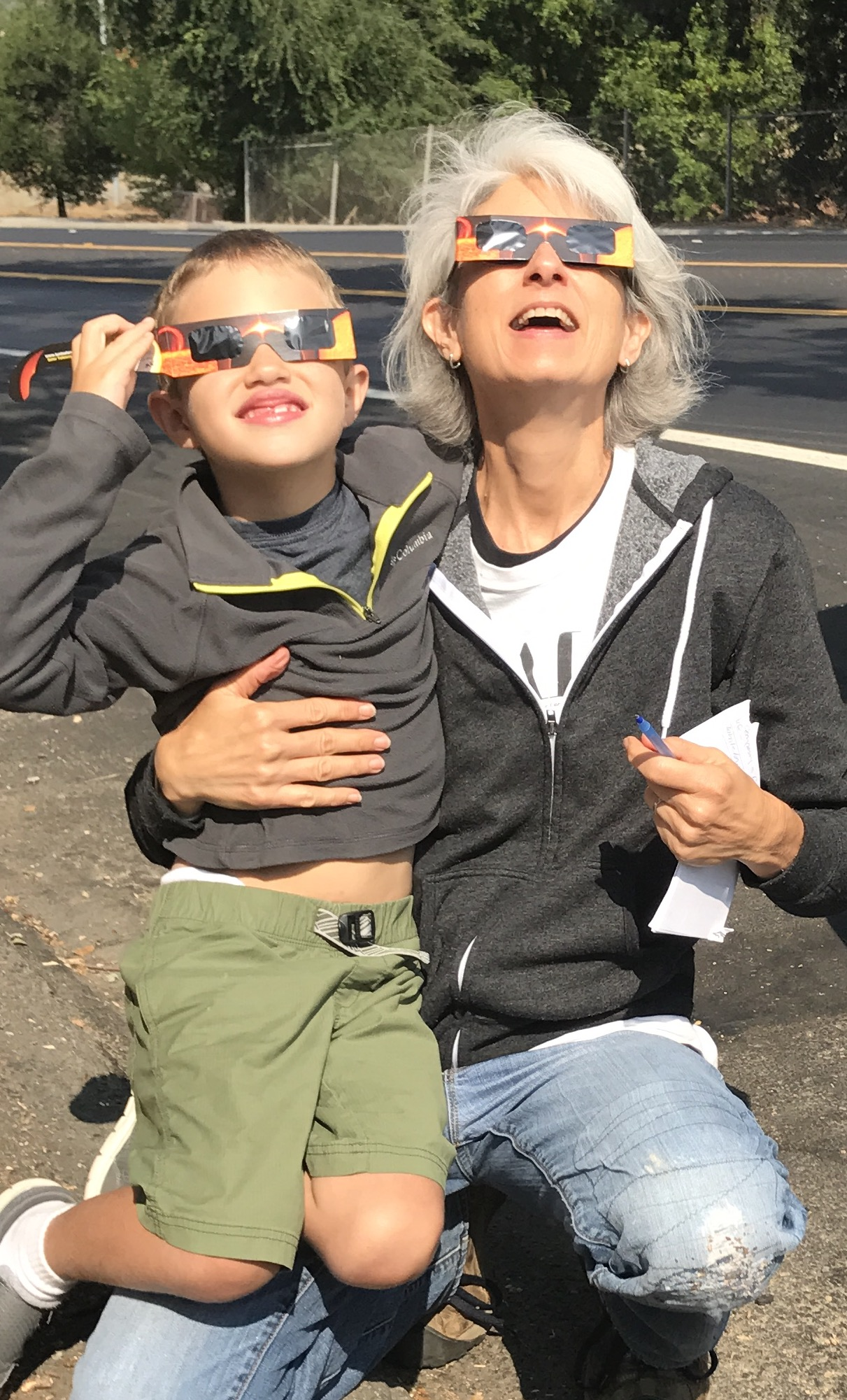 Vita and champion eclipse-watcher Carlos!