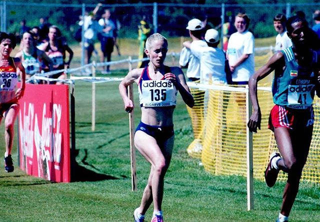 #tbt all the way back to World Cross Country Champs in 2000!  @deena8050 led us to the bronze medal 🥉 that day and is all smiles post race despite swallowing a bee and passing out (more on that in her article at https://spikes.iaaf.org/post/deena-kastor-cross-courage) Cross country was never my first love - I started running it in HS to improve on the track, but it provided me many of my favorite career memories both in college and as a pro!  Can't wait to cheer on Team USA 🇺🇸 as they take on the world this weekend in Aarhus! . . . #throwback #worldcrosscountry  #crosscountry  #xc  #algarveportugal