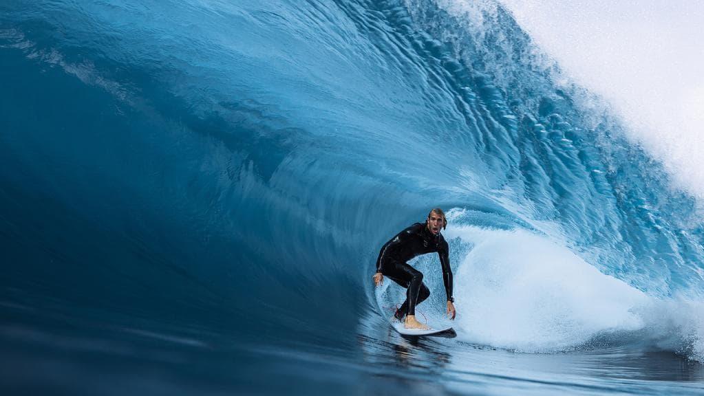 PIC SURFER.jpeg