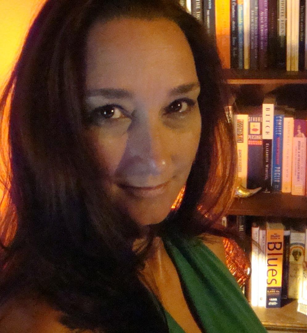 Carina Bissett Author Photo.JPG