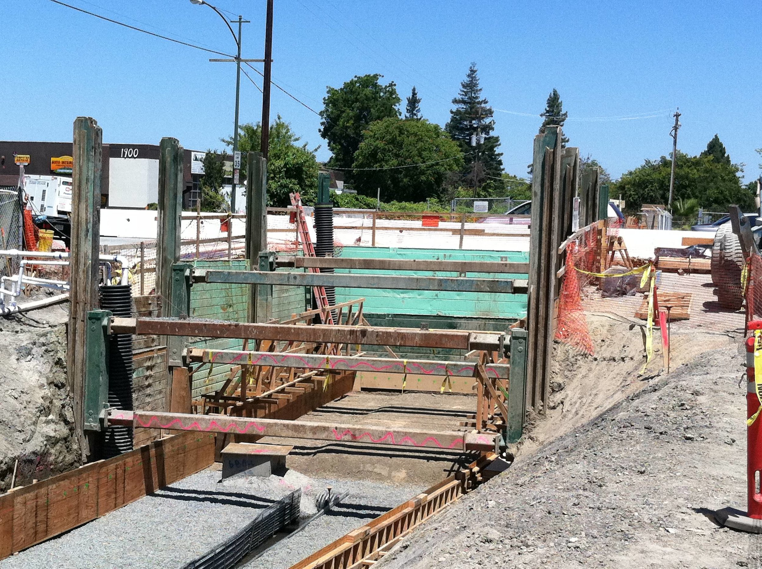 Box Culvert 60'Lx24'Wx16'D - Mountain View, CA - Gordon Ball Construction 01.jpg