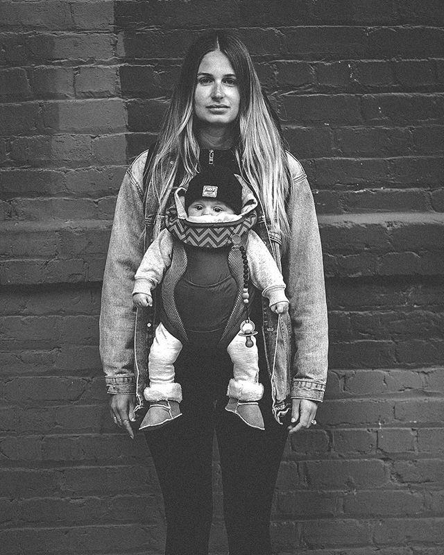 Urban Mom . . . #blackandwhite #fujifilm #lightroompresets #xt3 #56mmf12 #portrait #family #sanfrancisco #sf #soma