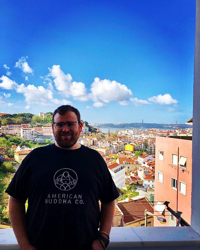 Blue skies in Lisboa this morning — next stops Nazare & Coimbra!  #lisboa #americanbuddaco #portugal #travelgram #buddha #makehappinessahabit #nazare #coimbra #travel #travels #byelisbon #nextstop #buddhalove #buddha #americanbuddha #jerry