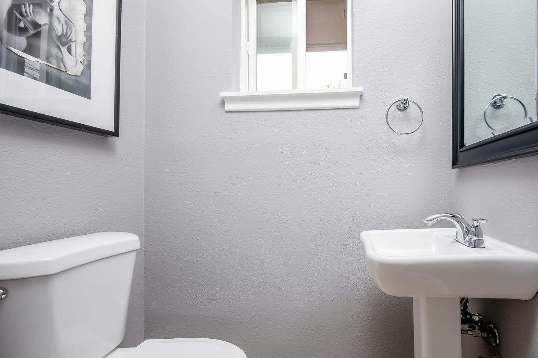 Guest Bath RobertJoryGroup 3240 Timberview Rd Dallas TX 75229.jpg