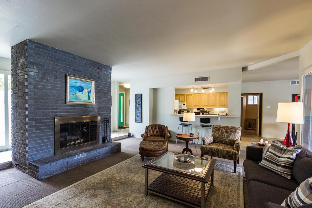 25_livingroom.jpg