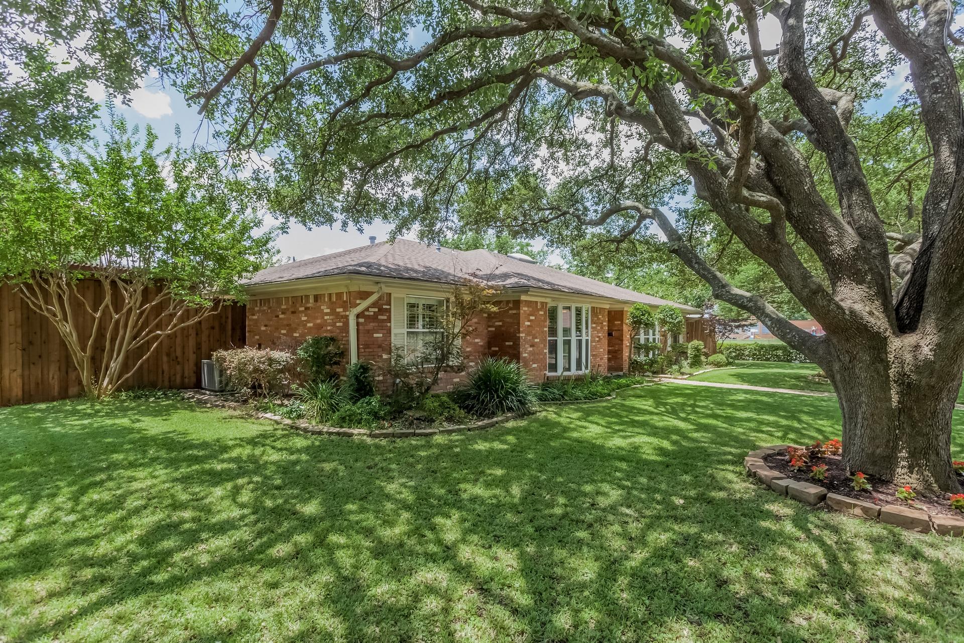 3208 Grantwood Dallas TX 75229 4.jpg
