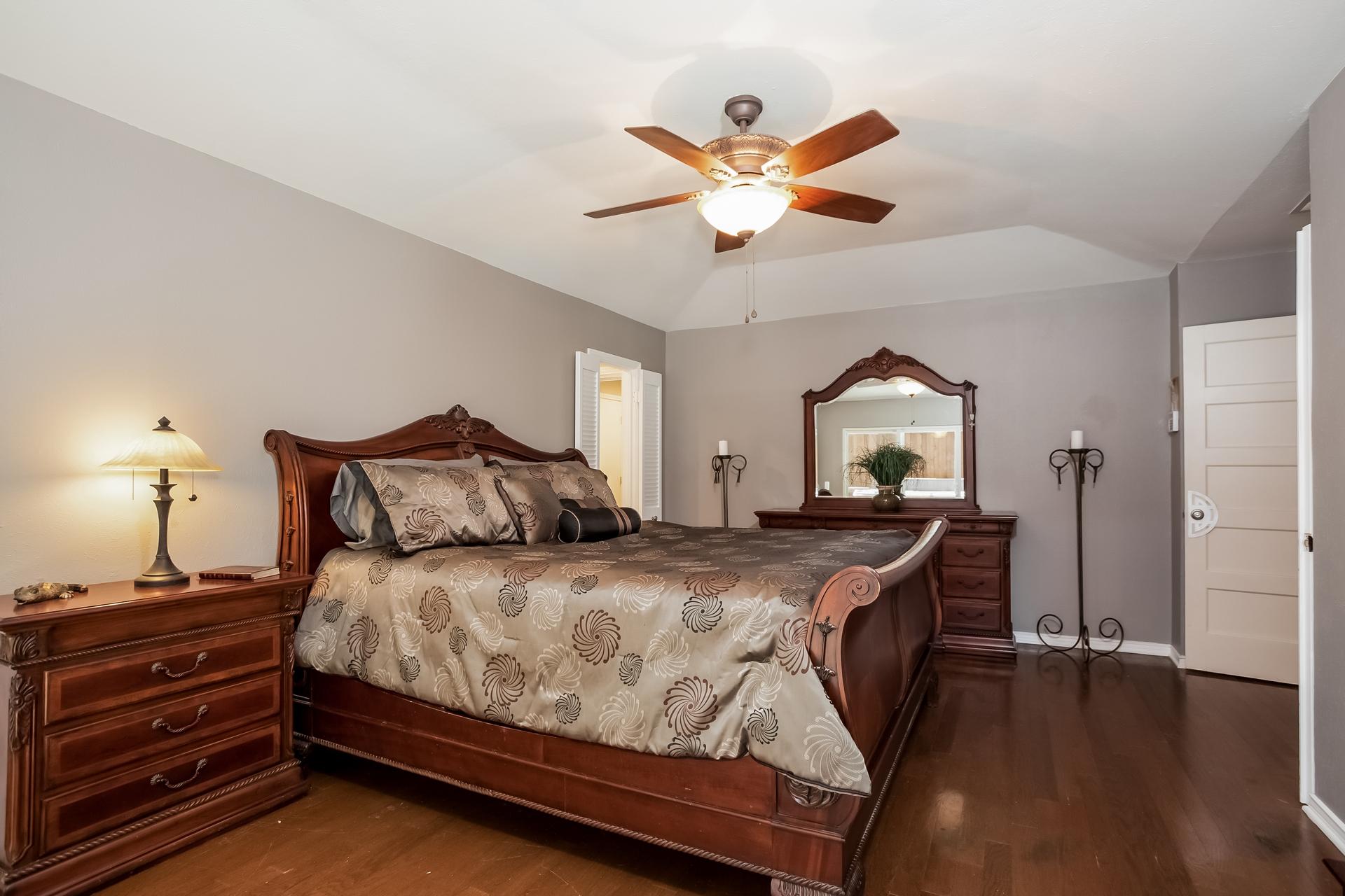 3208 Grantwood Dallas TX 75229 18.jpg