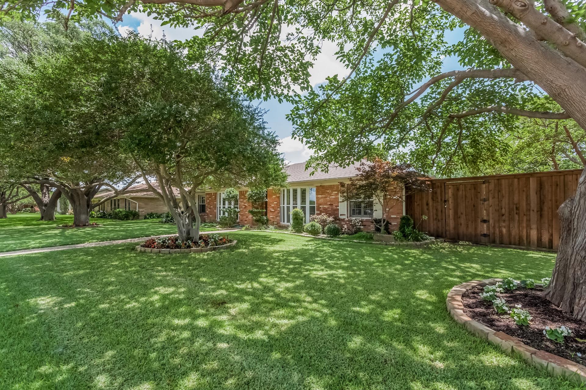 3208 Grantwood Dallas TX 75229 41.jpg