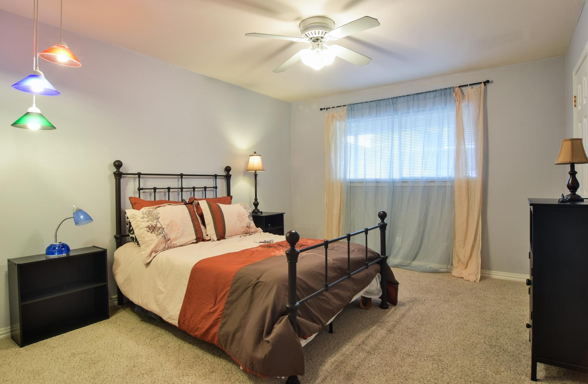 Bedroom3 3163 Citation Dr Dallas TX 75229.jpg