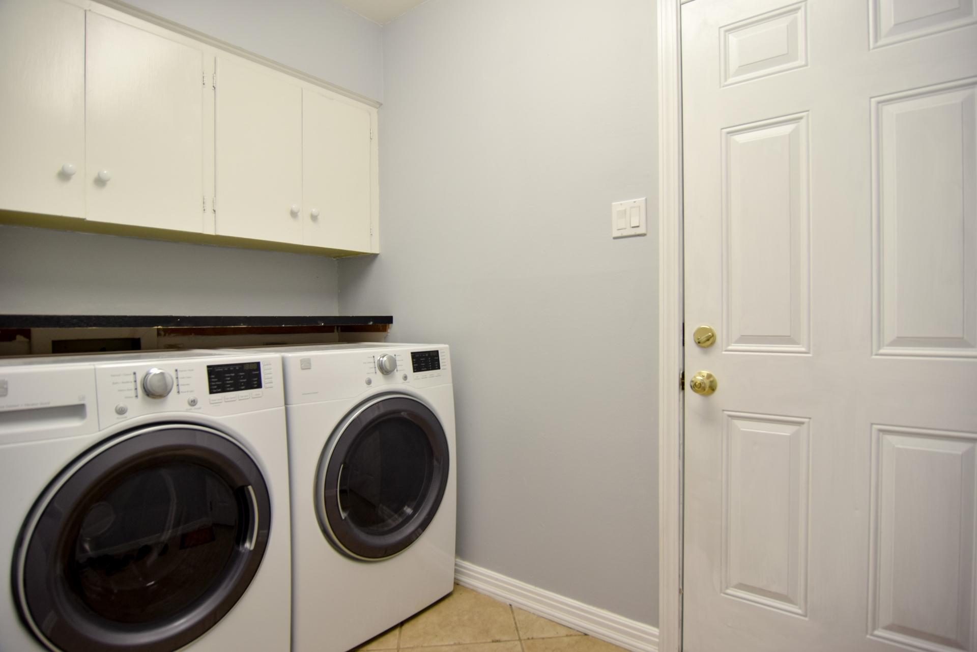 Laundry 3163 Citation Dr Dallas TX 75229.jpg