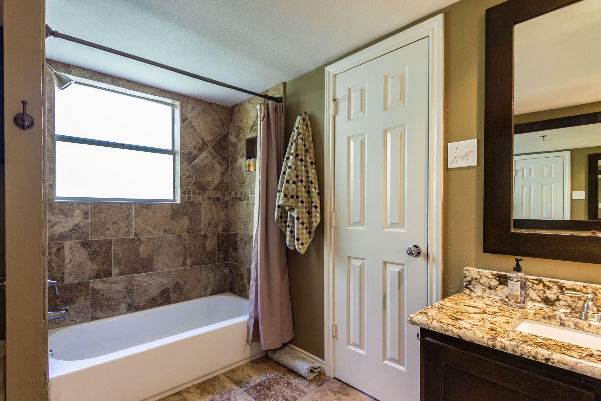 12_masterbathroom .jpg