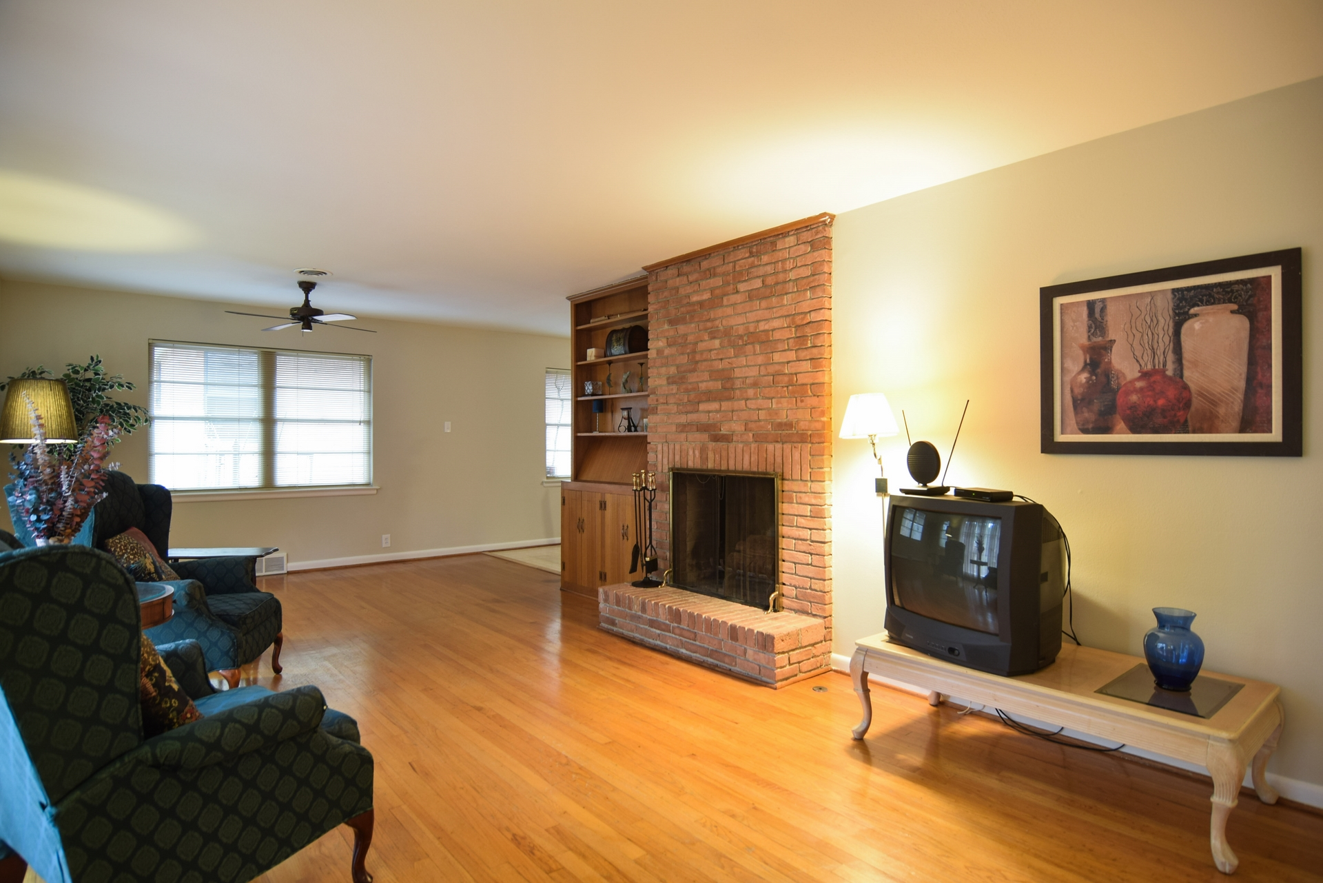 Living Room c 2716 Woodmere Dallas TX 75233.jpg