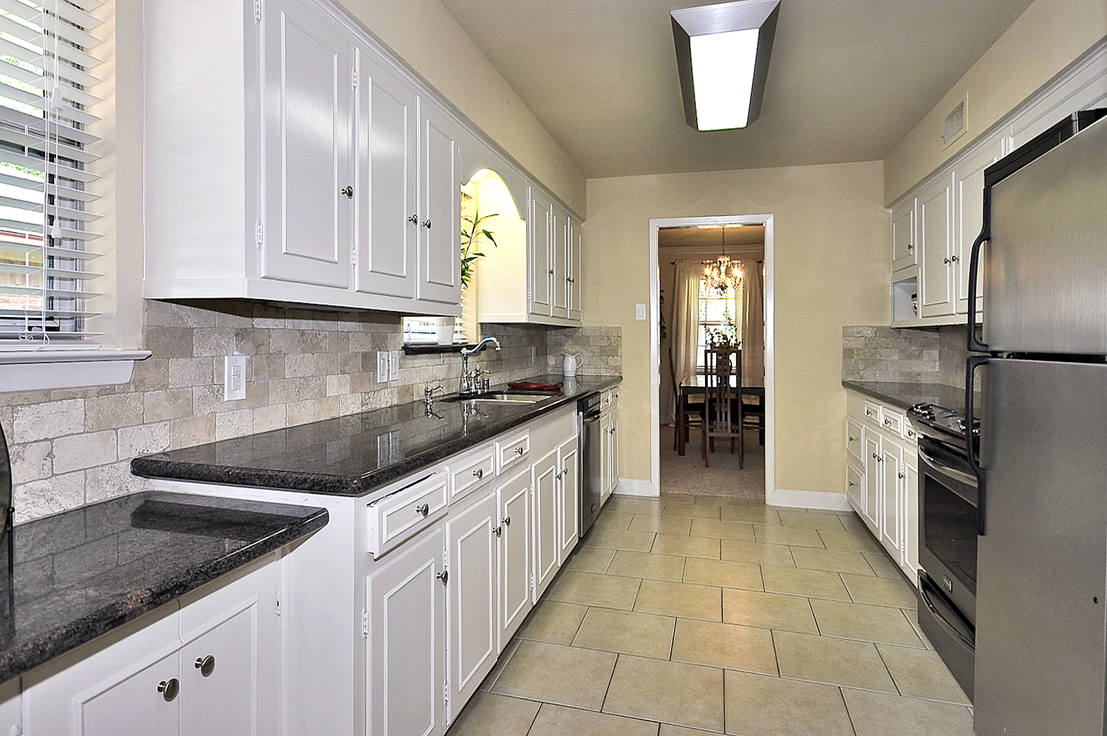 3208 Chapel Downs Dallas Kitchen.jpg