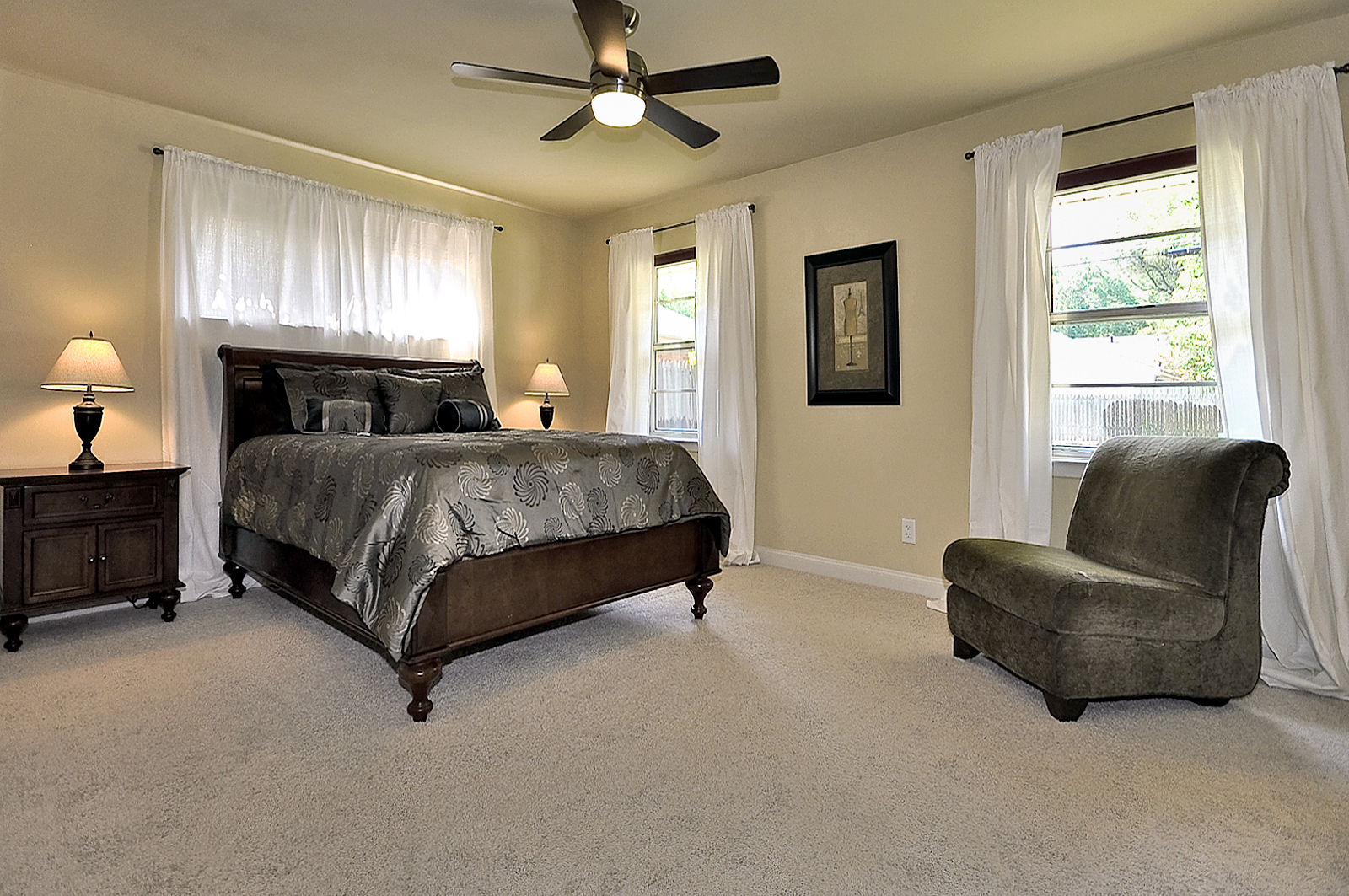 3208 Chapel Downs Dallas Master Bedroom.jpg