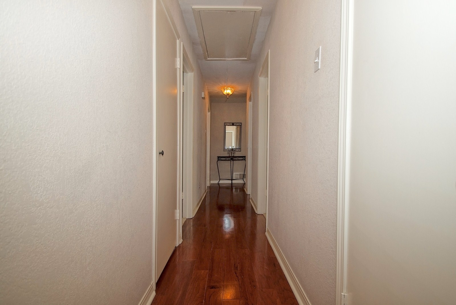 Bedoom Hallway.jpg