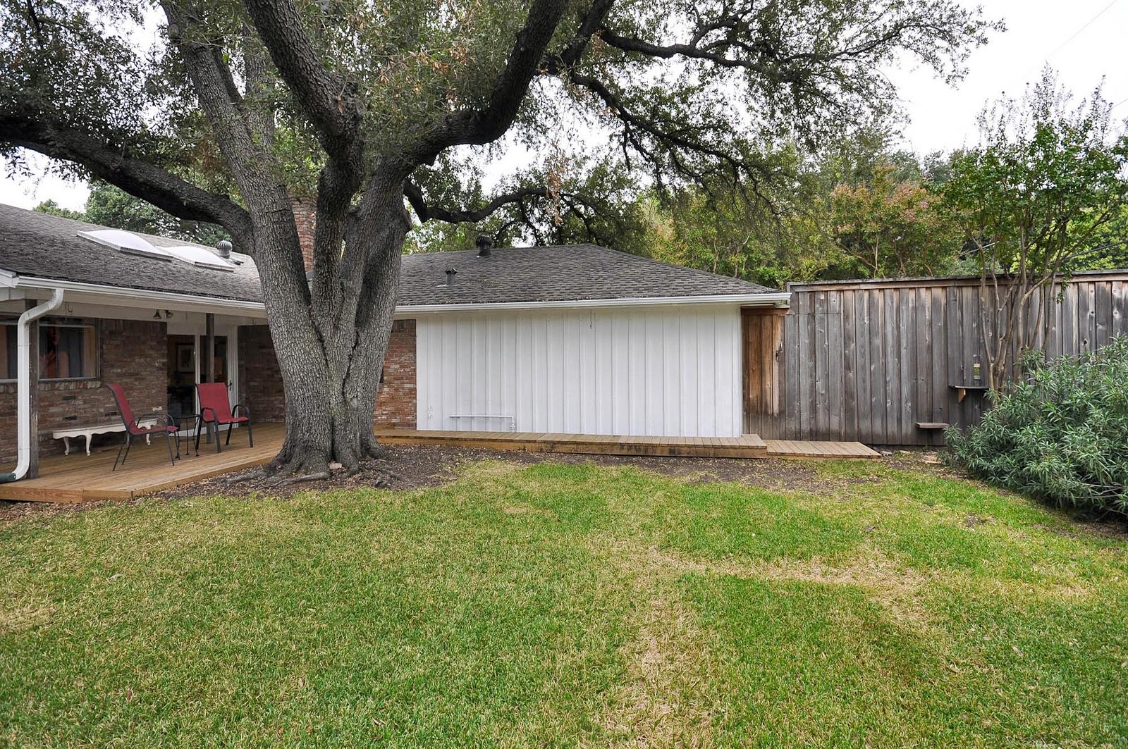 Back Yard Porch 3163 Citation Dallas.jpg