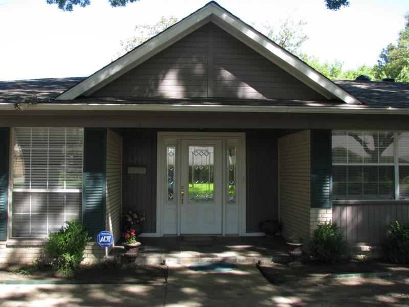 Front Door [800x600].jpg