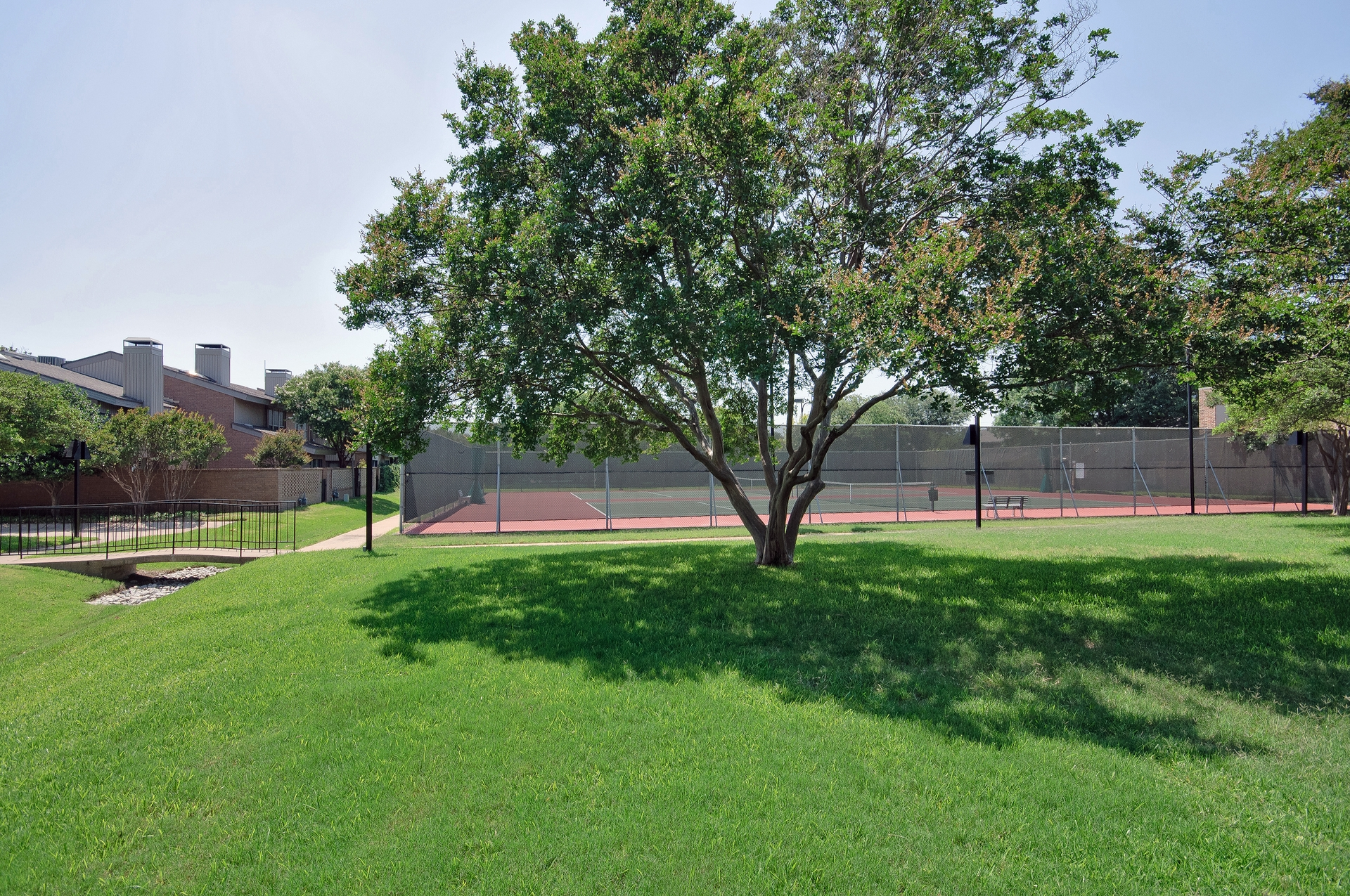12454 Montego Plaza Tennis.jpg