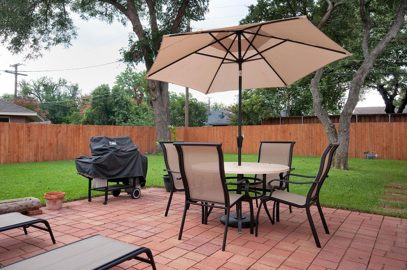 Backyard Patio.jpg