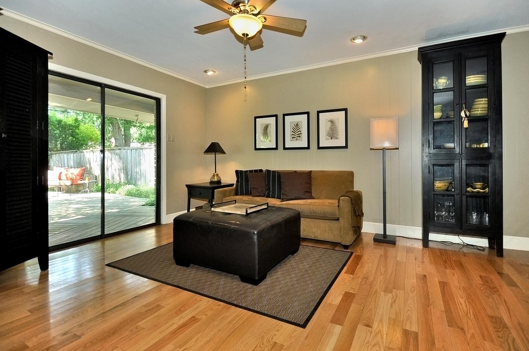 3350 Valiant Dallas Family Room.jpg