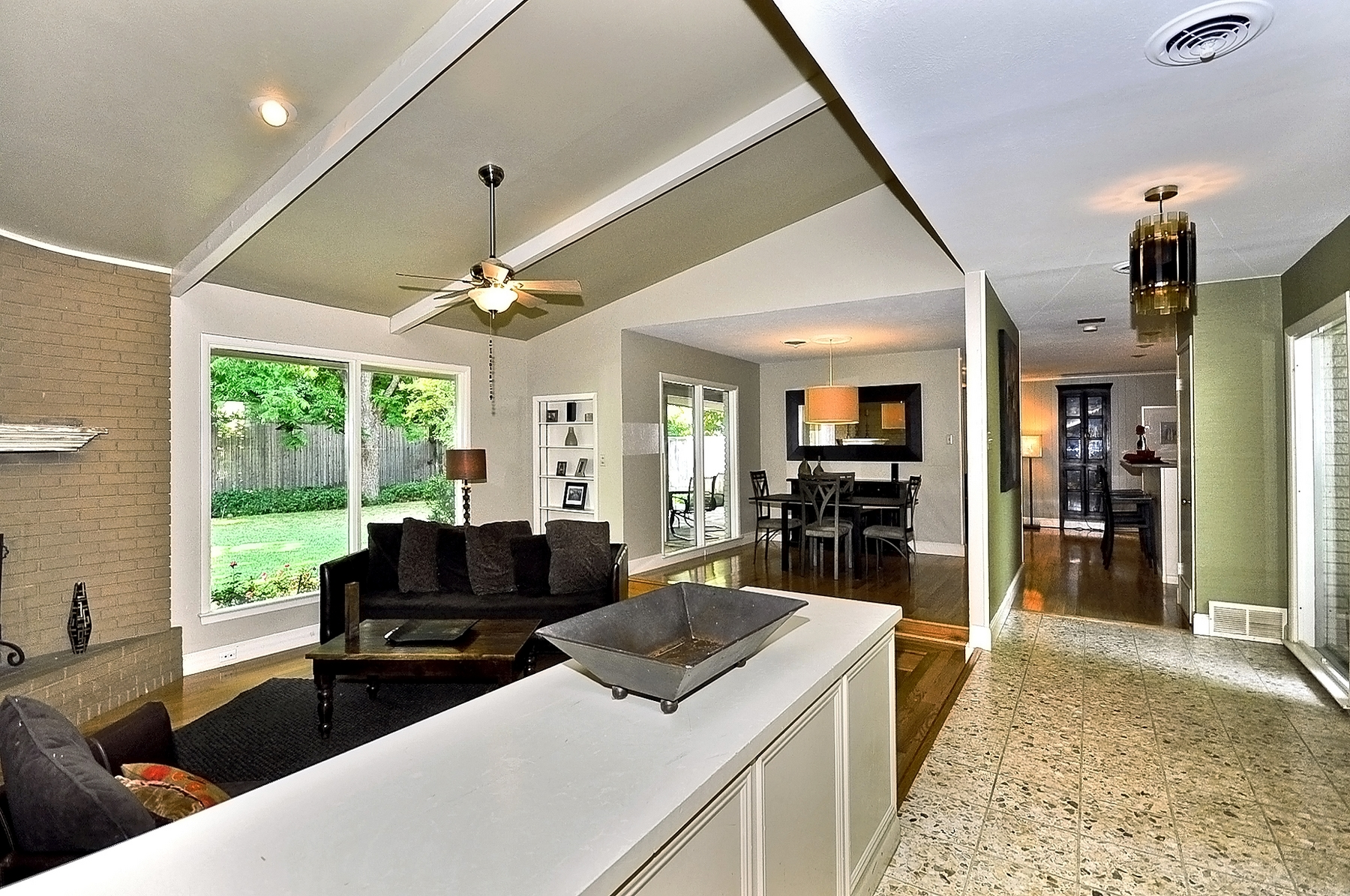 3350 Valiant Dallas Living Room Pan.jpg