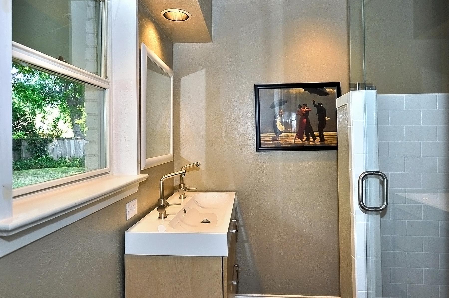 3350 Valiant Dallas New Master Bath.jpg