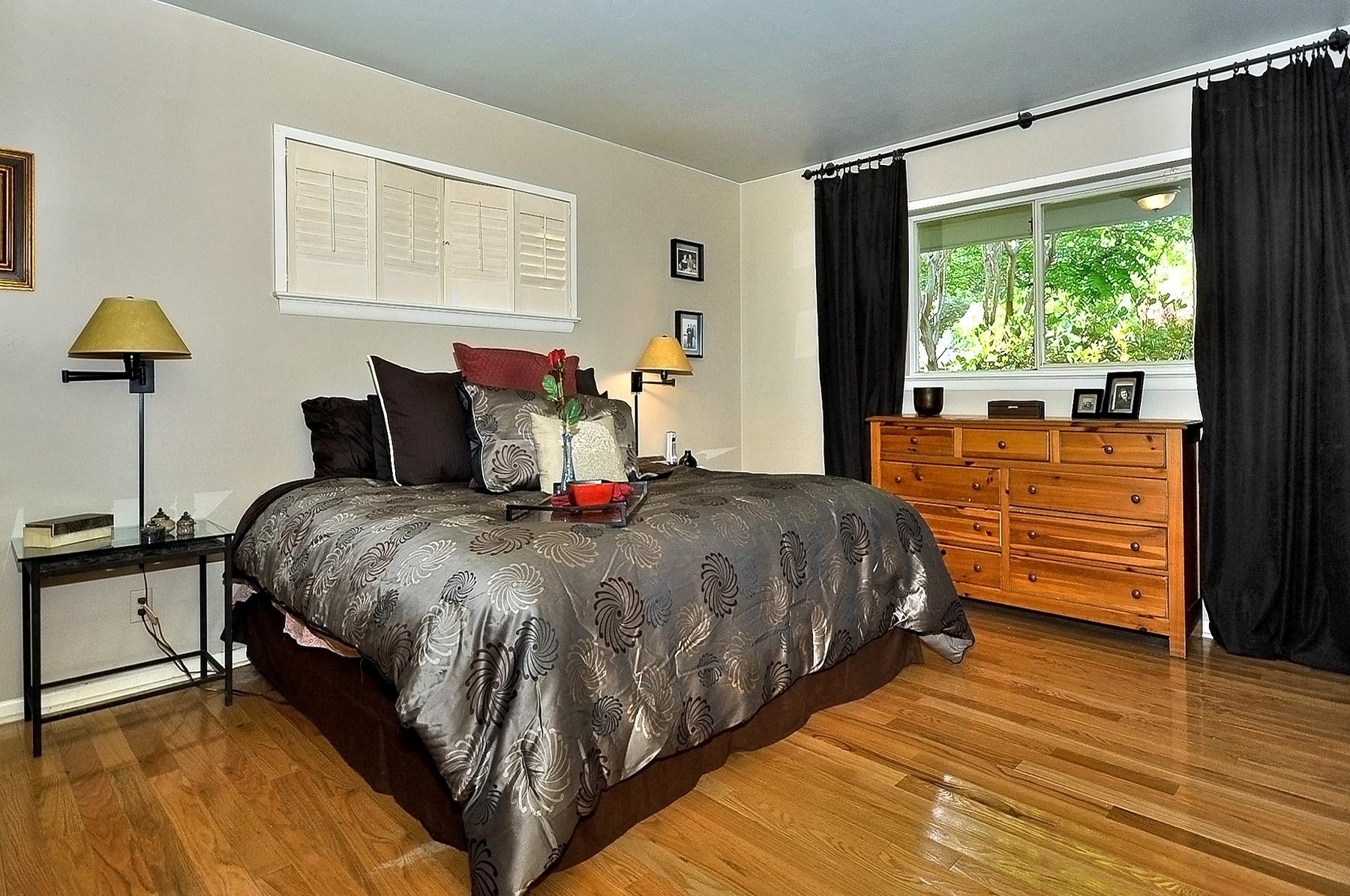 3350 Valiant Dallas Master Bedroom.jpg