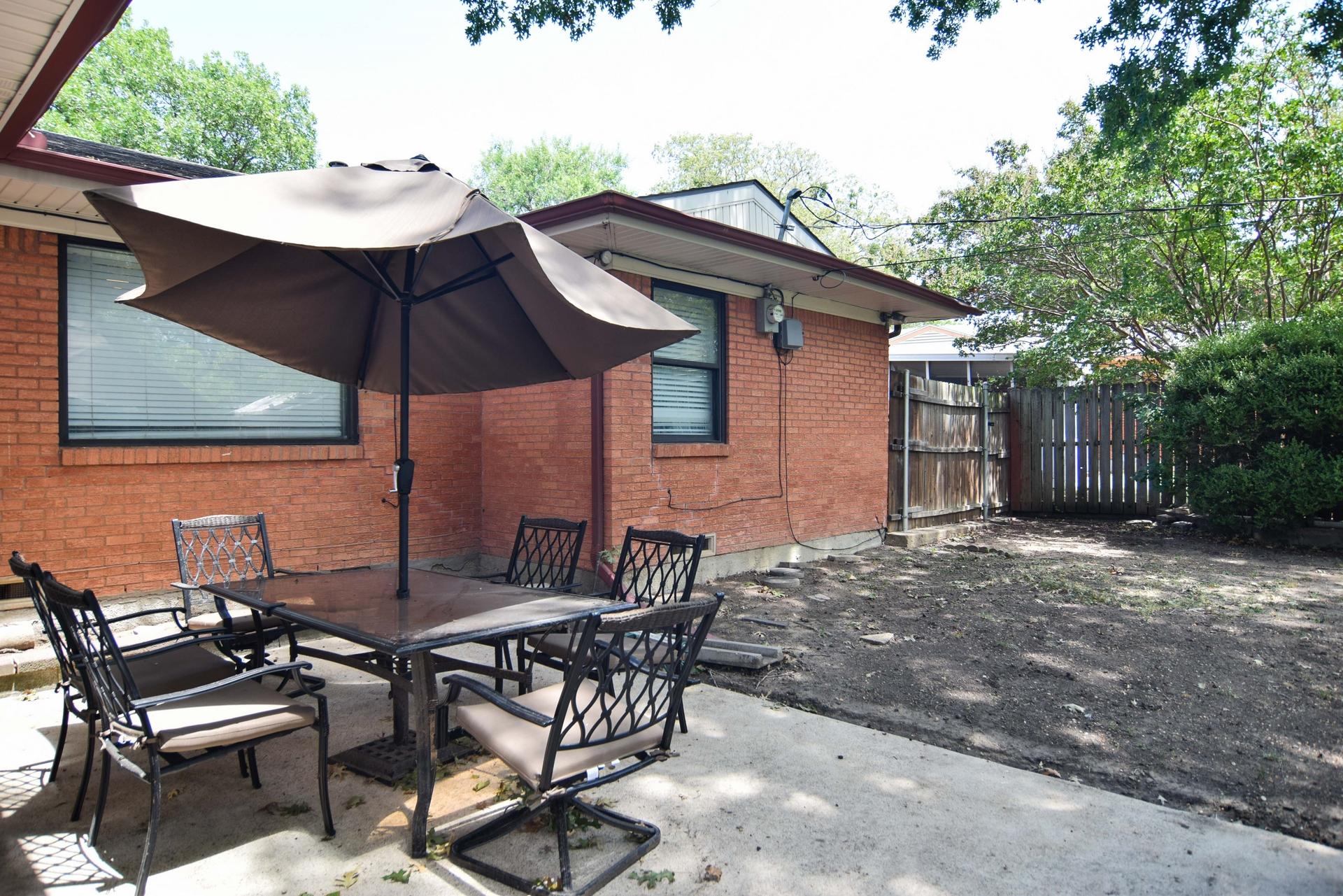 patio 3112 Catamore Dr Dallas TX 75229.jpg