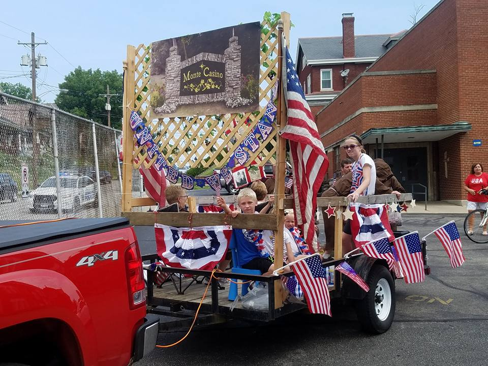 Peasleburg July 4th Parade - Monte Casino.jpg