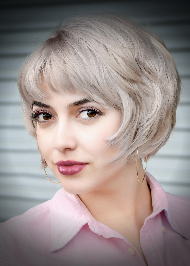 Sarah_May18-2965_FXLab-clarity_pp=bold2++hair-60_crp5x7_pe=portraitvignettelinda_resize.jpg