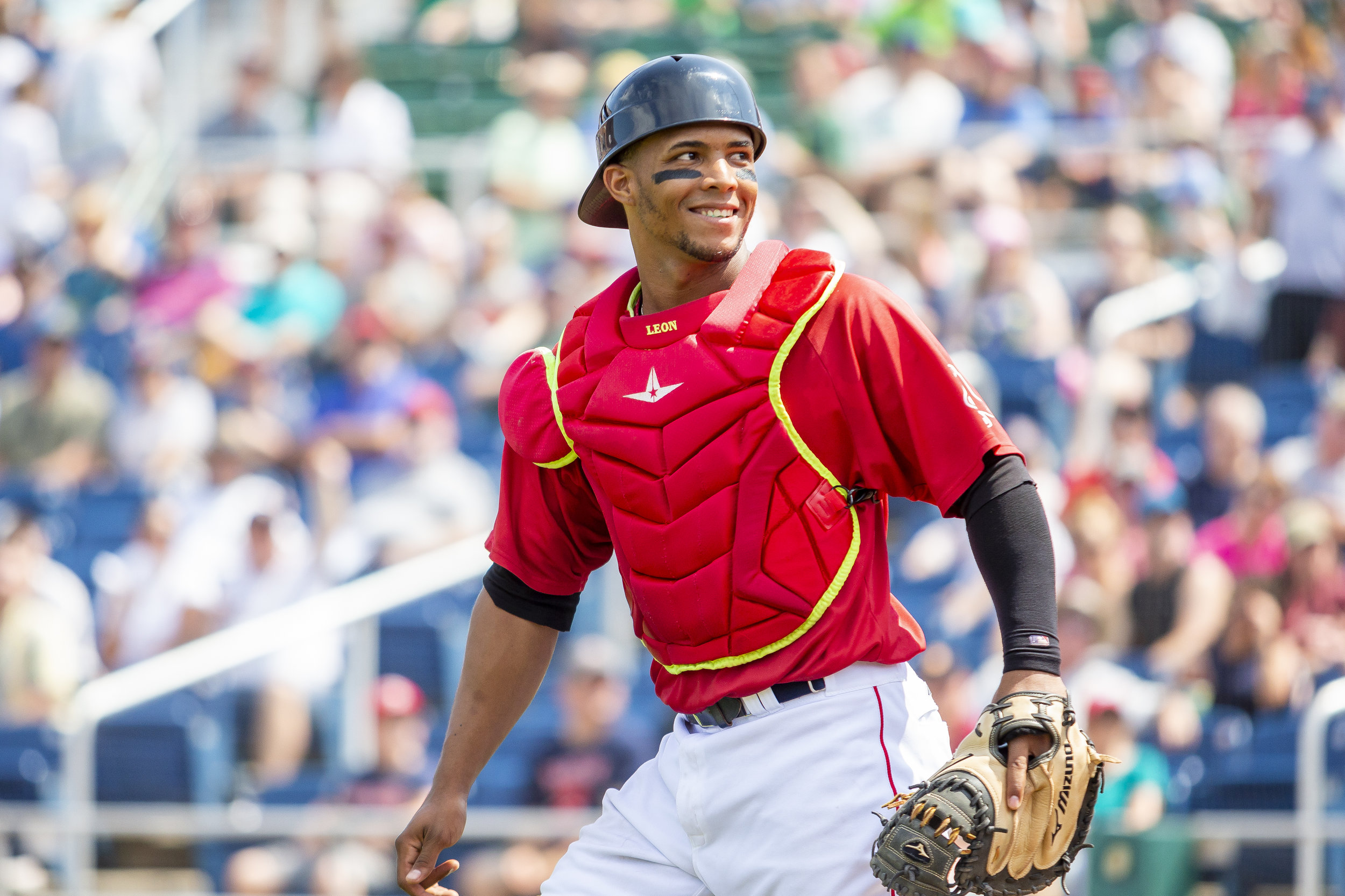 PORTLAND, ME - AUGUST 05:  Jhon Nunez #20 of the Portland Sea Dogs smiles at a fan in the fourth inning of a game against the Richmond Flying Squirrels on August 5, 2018 in Portland, ME at Hadlock Field . (Photo by Zachary Roy/Getty Images)