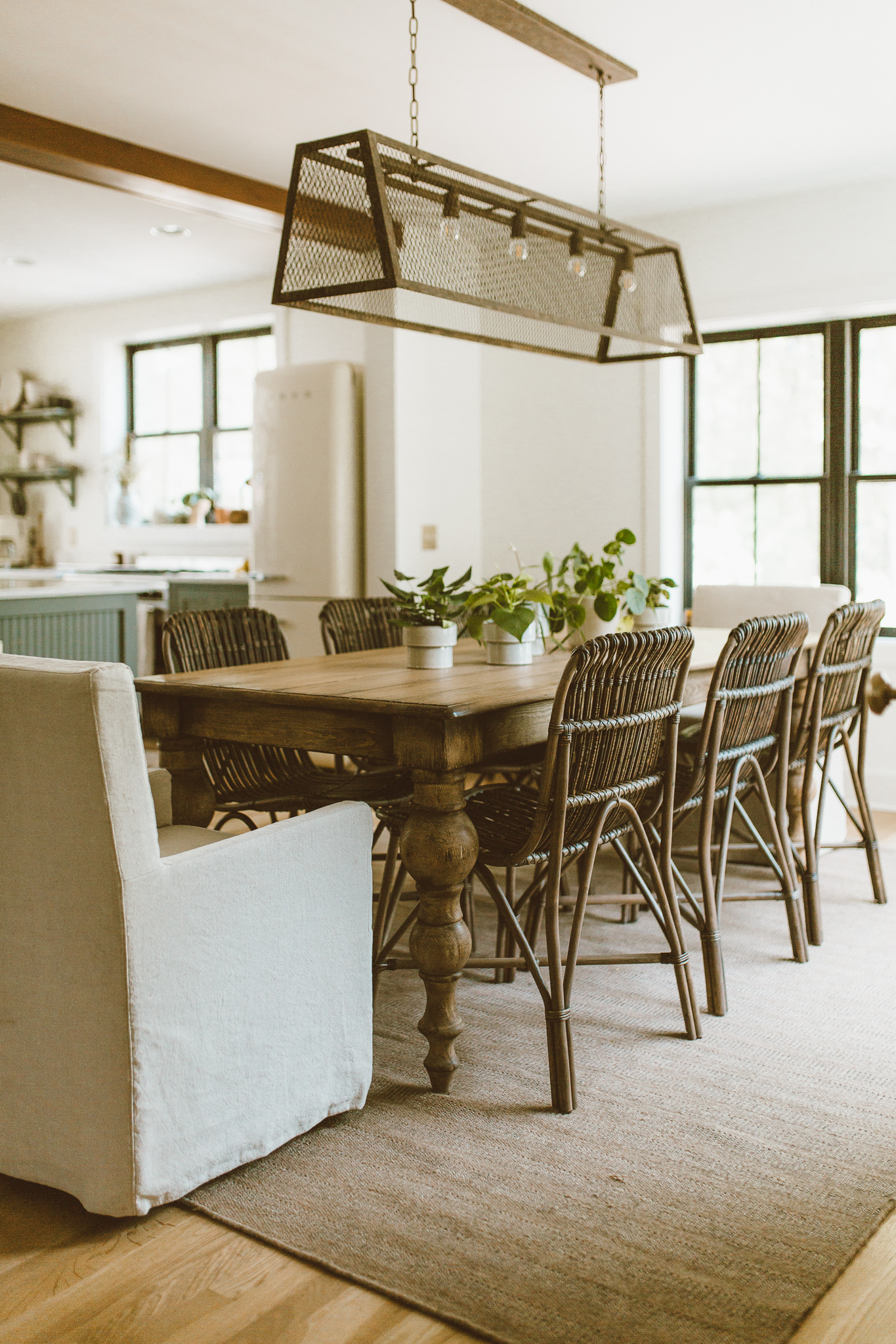 design-dining-space-tips-forthehome-003.jpg