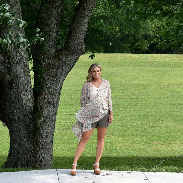 Today you can conquer anything !!!! The sun is shining it's pool and water ballon time with the fam 💕💕 . This kimono is perfect for days like this 🙌🏽. @tavieboutique has so many summer favorites!!! Head in or shop online.  You can also DM to order! . Enjoy this gorgeous day 💕 . . . . #lovelyandsouthern #tavieboutique #lovetavie #style #styleblogger #bloggerswanted #knoxboutique #knoxboutique #twinmom #datenightoutfit #ootd #ootn #ootdinspo #ootdinspo #kimono #summerstyle #momstyle #knoxville #shoplocal #instamodel #instagood #instapic