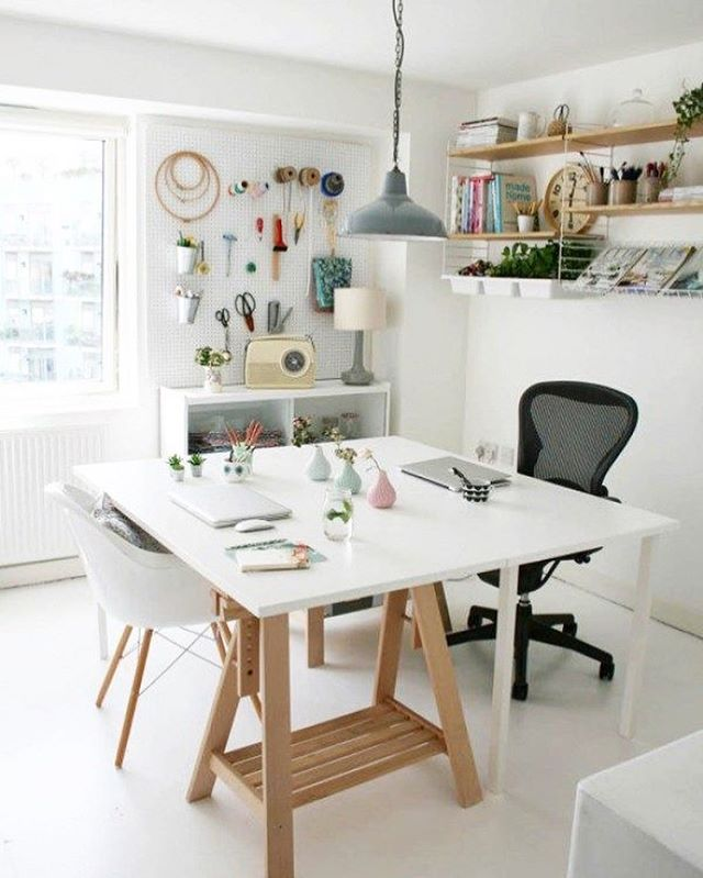 This can be a good #MejaKerja idea for a home business. What do you think? . #kontras #inspo #workspace #designstudio #working