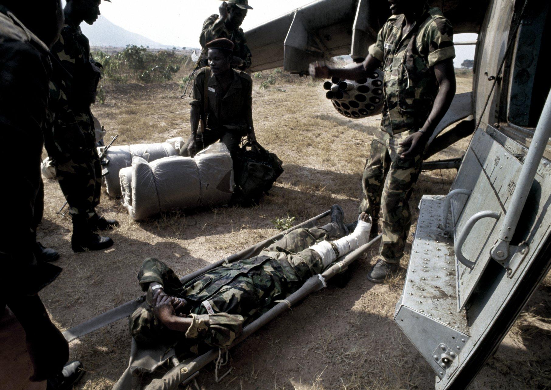 Leaving the frontline.Angola's brutal civil war. Angola 1993
