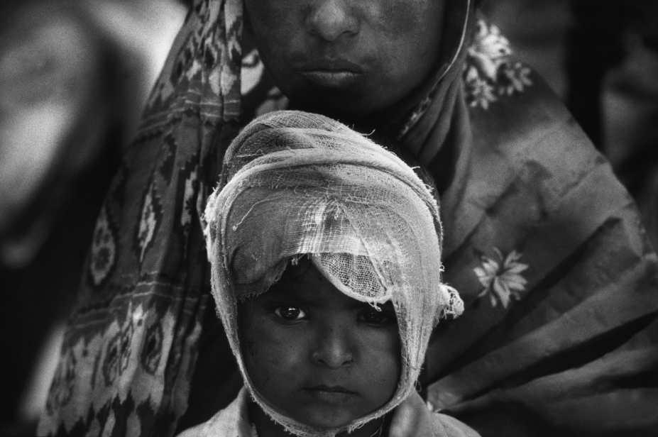 Earthquake survivors.Maharashtra, India. 1993